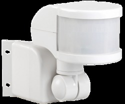 IEK Датчик движения ДД 018В белый, макс. нагрузка 1100Вт, угол обзора 270град., дальность 12м, IP44 арт. LDD10-018B-1100-001