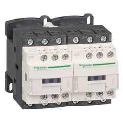 SE Contactors D Контактор реверсивный 3Р 12A, НО+НЗ, 24В 50/60Гц, зажим под винт арт. LC2D12B7